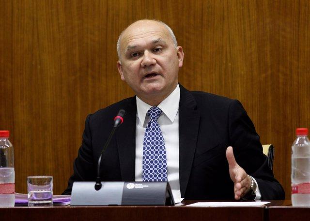 Manuel Medina, este jueves en el Parlamento
