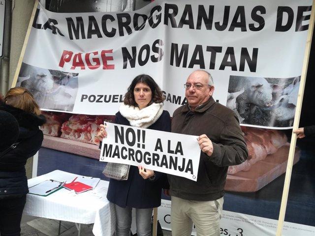 Recogida de firmas contra la granja de cerdos de Pozuelo