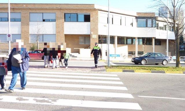 Campaña de control de pasos de peatones de la Policía Municipal de Pamplona.