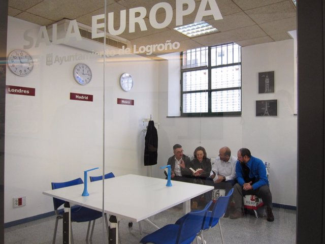 Inauguración Sala Europa de Gota de Leche en Logroño con Gamarra