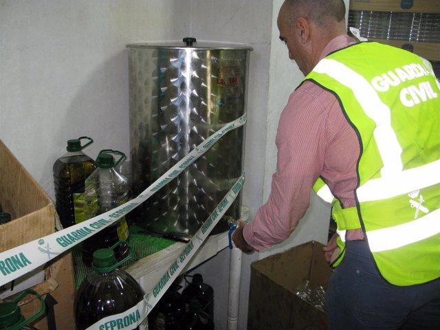 Falso aceite de oliva intervenido en Algeciras