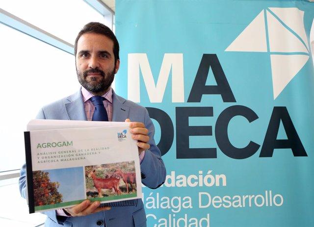 Jacobo Florido presenta informe de Madeca