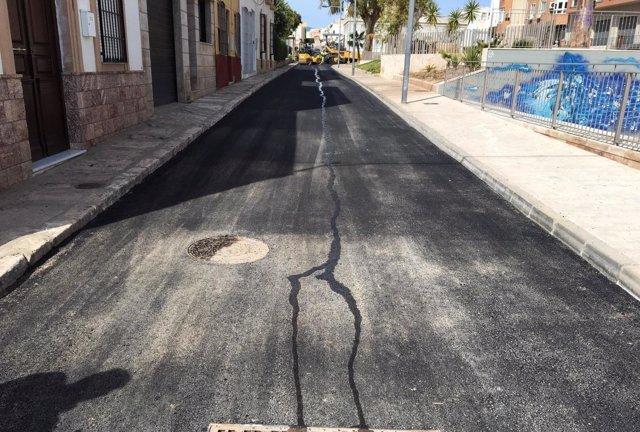 Los Planes Provinciales reparan la Avenida Nicolás Salmerón de Alhama.