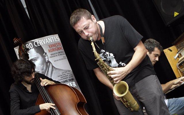 Ernesto Aurignac ofrece un espectáculo de jazz y un coloquio con el público en la Sala Unicaja María Cristina