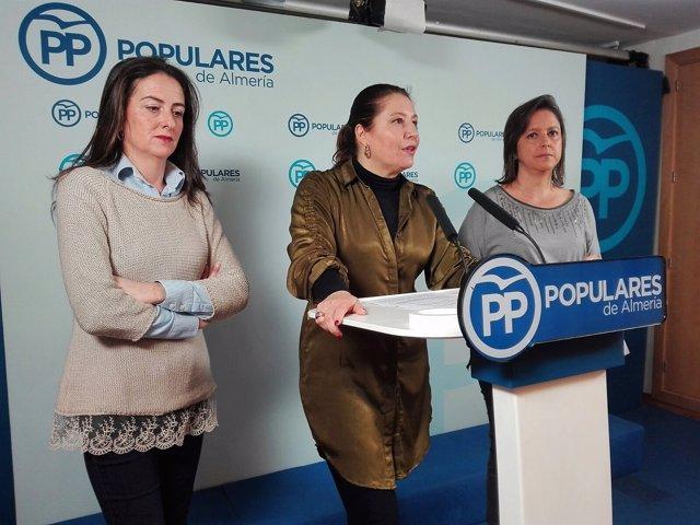 Aránzazu Martín, Carmen Crespo y Catalina García (PP)