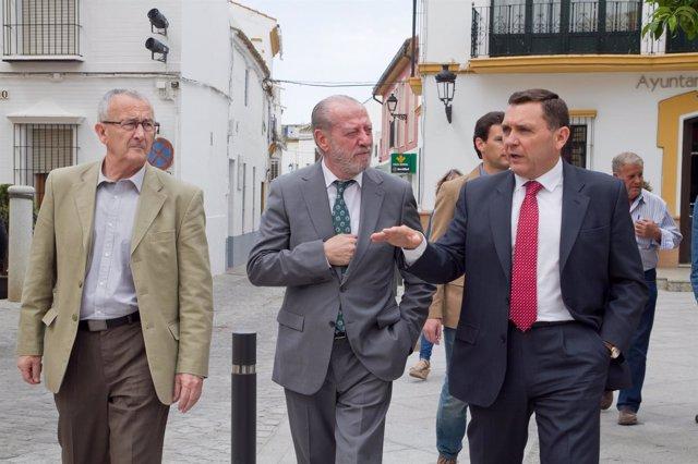 Villalobos, durante una visita a Umbrete