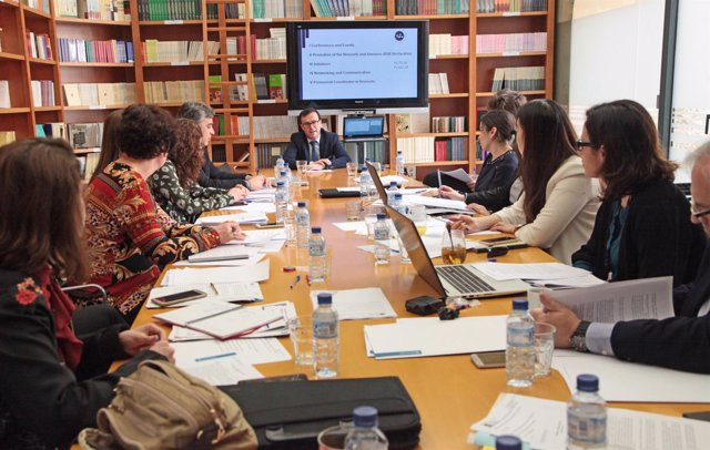 Paternalia mantiene un reunión en la Diputación de Badajoz