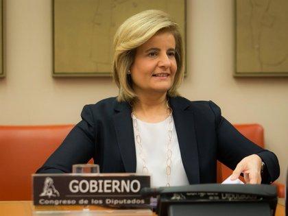 El Congreso respalda impulsar la tarjeta de prestaciones sociales propuesta por Báñez