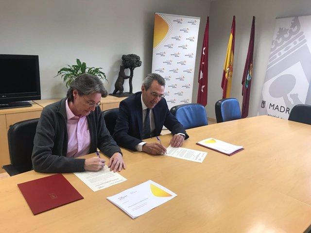 Firma del convenio entre Ayuntamiento y Gas Natural