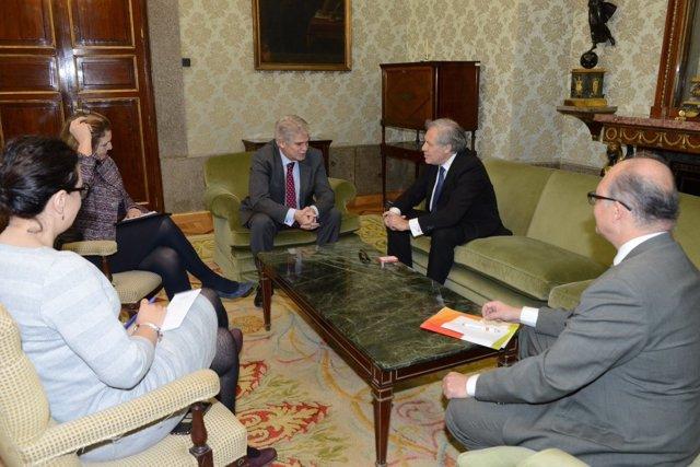 Alfonso Dastis con el secretario general de la OEA Luis Almagro