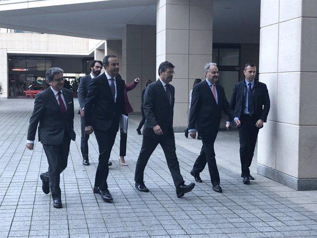El ministro Rafael Catalá llega a un acto de los colegios de procuradores