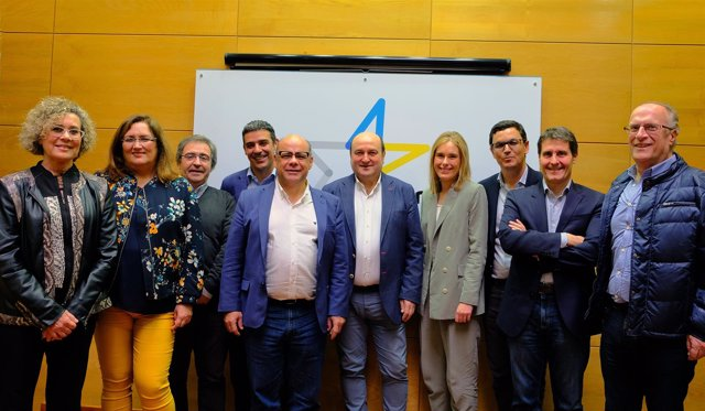 Reunión entre representantes del PNV y CC
