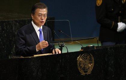 """Moon asegura que Corea del Sur verá """"un cambio espectacular"""" tras la reunión intercoreana"""