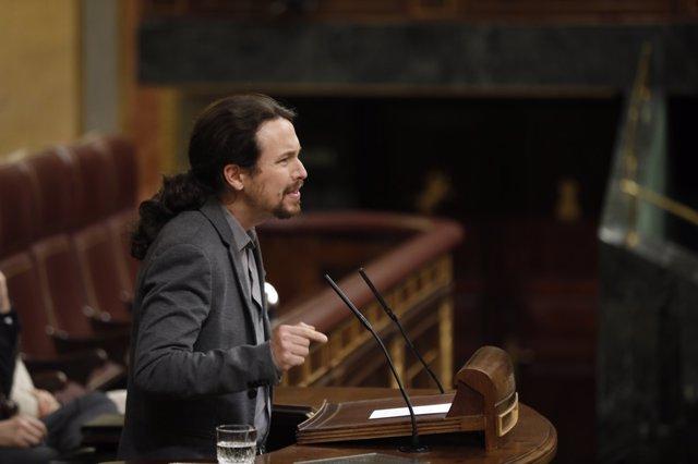 El líder de Podemos, Pablo Iglesias, interviene en el Pleno del Congreso