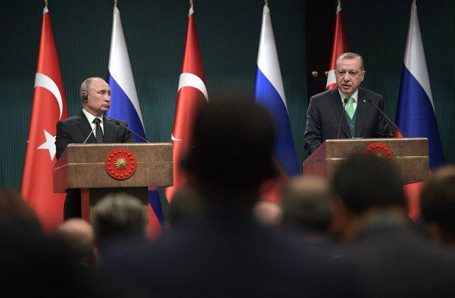 Putin y Erdogan en una rueda de prensa