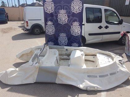 Cogen una furgoneta para robar una zódiac en Marbella y la devuelven sin que nadie se percate