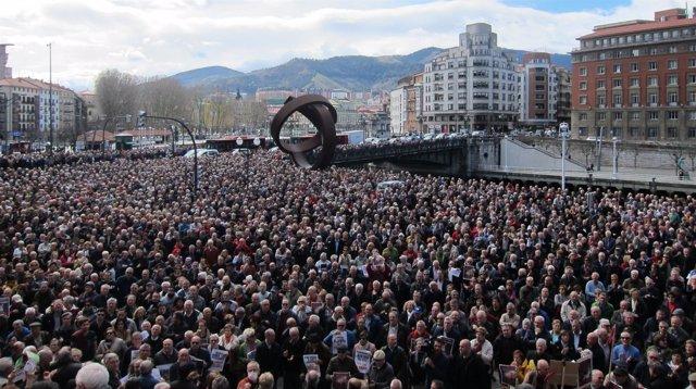 Pensionistas Y Jubilados De Bilbao concentrados el lunes frente al Ayuntamiento