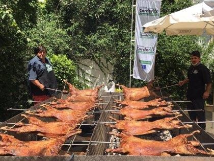 Corderex ofrece este domingo dos asados de cordero en Villagonzalo y La Coronada