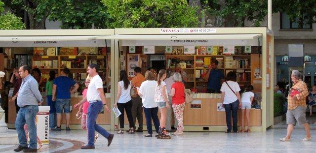 Stands de la Feria del Libro de Sevilla.