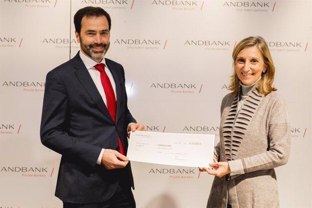 Pedro Pueyo (Andbank) y la directora de Fundación Fero Piru Cantarell