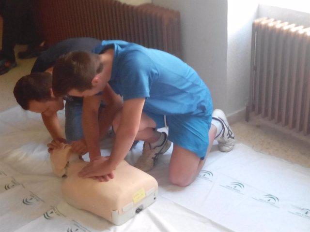 Nota De Prensa Y Foto Sobre Un Curso De Reanimación Cardiopulmonar En Alcaudete.