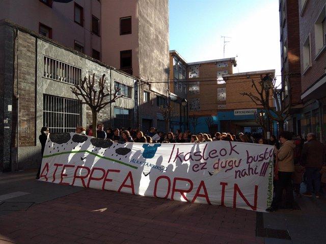Protesta para exigir que se finalice el aterpe en Arteagabeitia