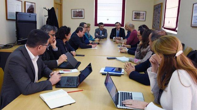 El rector preside la reunión