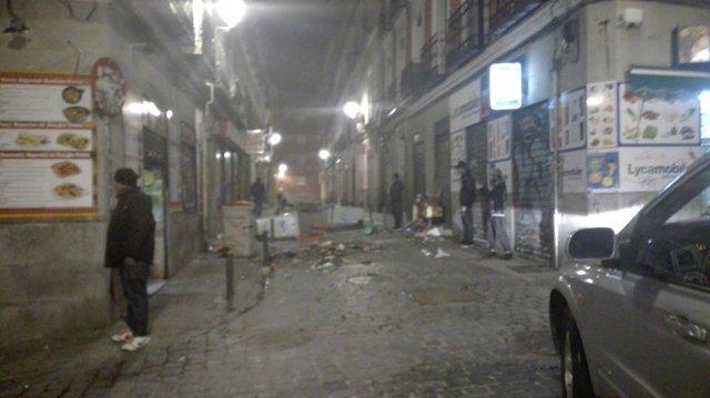 Incidentes en Lavapiés tras la muerte de un mantero