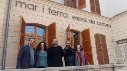 Los músicos Efrén López y Kelly Thoma actuarán este sábado en el Mar i Terra dentro del ciclo 'Palma Folk'