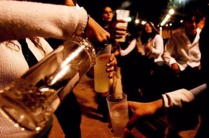 La Policía de Santa Eulària (Ibiza) aborta un botellón en el que participaban 30 personas, la mayoría menores