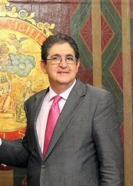 El decano del Colegio de Abogados, José Joaquín Gallardo