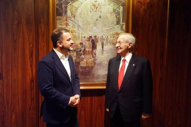 El presidente de la Cámara de Barelona, Miquel Valls, con Alfred Bosch (ERC)