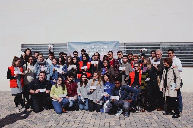 Imagen grupal de 'La maleta invisible' en Loyola Andalucía