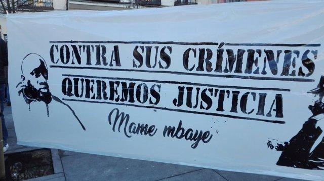 Manifestación en Lavapiés por la muerte de Mame Mbaye