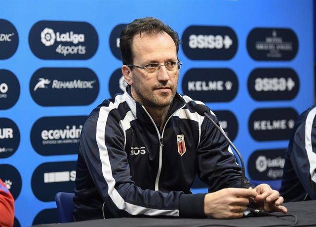 El entrenador del Ríos Renovables Zaragoza, Santi Herrero