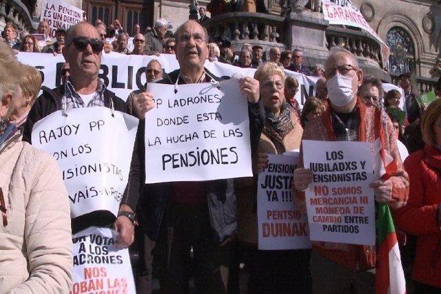 Protesta de pensionistas en Bilbao