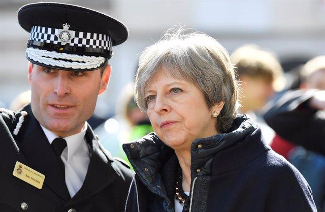 La primera ministra británica Theresa May visita Salisbury