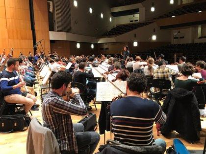 La OSRM ofrece este domingo un concierto con narración en el Teatro Circo de Murcia con público entre los músicos