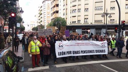 """Cerca de 35.000 personas reclaman en CyL al Gobierno que """"escuche a la calle"""" y """"dignifique"""" las pensiones"""