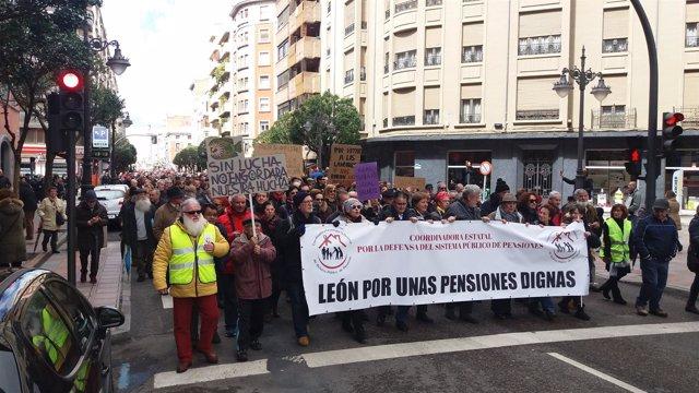 León.- Cabecera de la manifestación de León (17/3/2018)