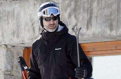 El Rey Felipe VI disfruta de una jornada de esquí en la estación de Formigal