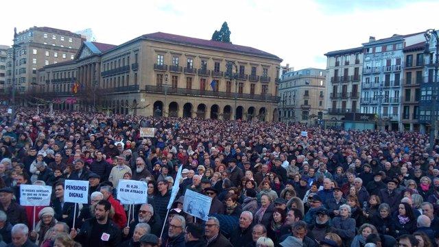 """Manifestación en Pamplona en defensa de """"unas pensiones dignas"""""""