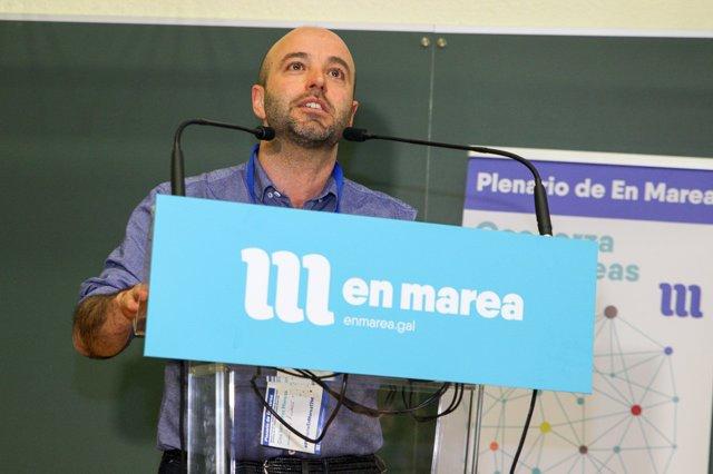 Luís Villares en el plenario de En Marea del 17 de marzo