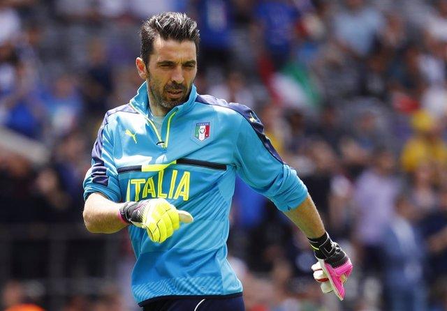El portero de la selección italiana Gianluigi Buffon
