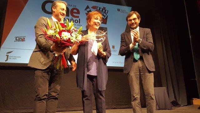 Entrega del premio Miguel Picazo a Mercedes Sampietro