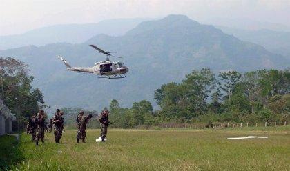 Nueve policías y dos civiles heridos en un enfrentamiento con narcotraficantes en Perú
