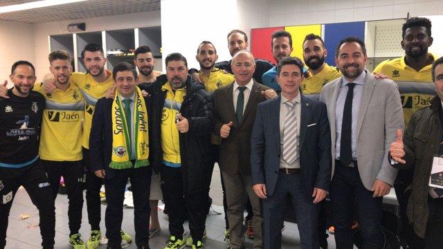 Francisco Reyes felicita a jugadores del Jaén, Paraíso Interior
