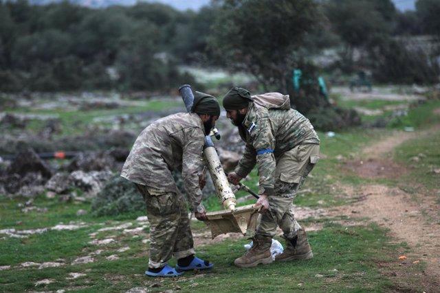 Milicianos del Ejército Libre Sirio, respaldados por Turquía, en Afrin