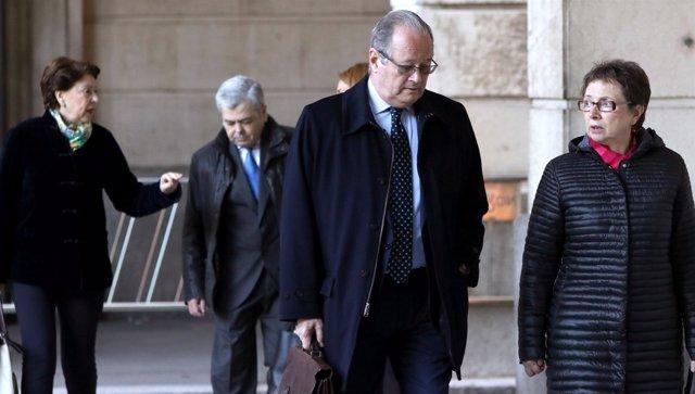 Aguayo y Magdalena Álvarez llegan a la sesión este lunes del juicio de los ERE