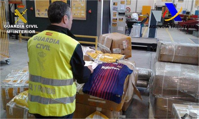 Decomiso de mercancía falsa en Torrevieja (Alicante)